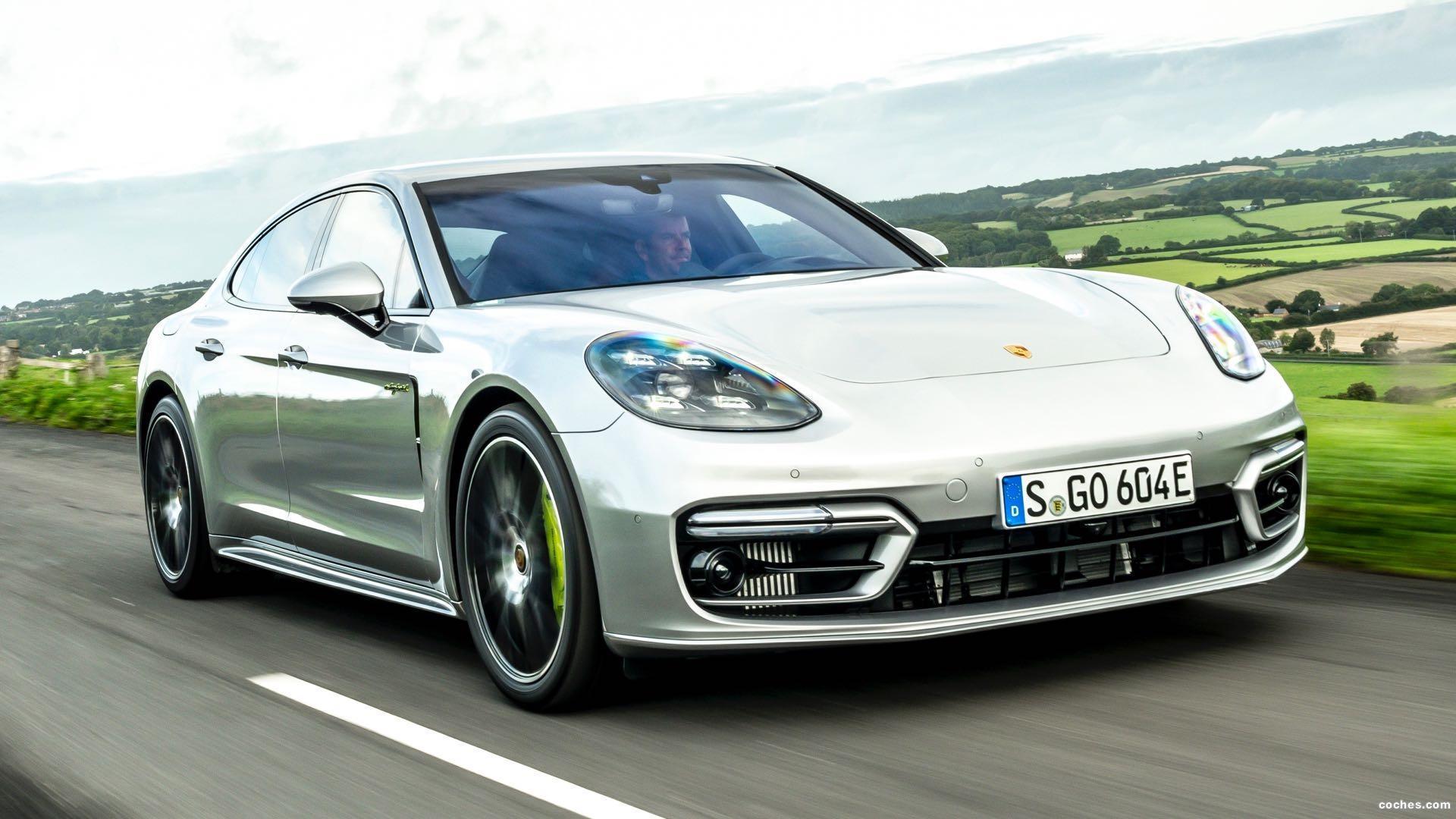 Porsche Panamera e-Hybrid 2020