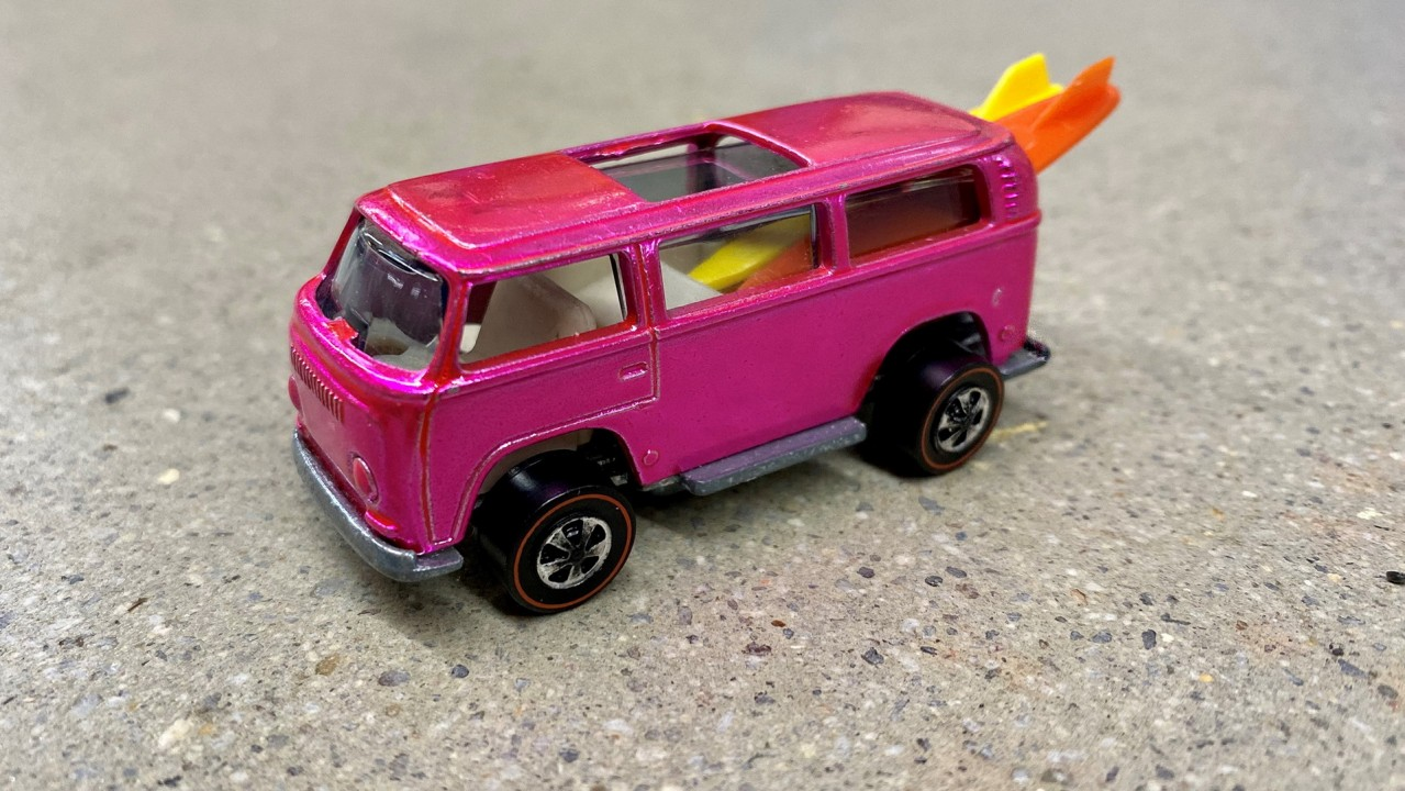 1969 Volkswagen Beach Bomb Hot Wheels Rosa (1)