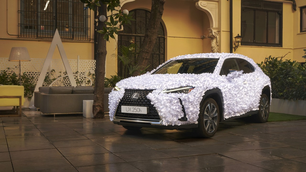 Lexus UX Art Car 2021 (1)