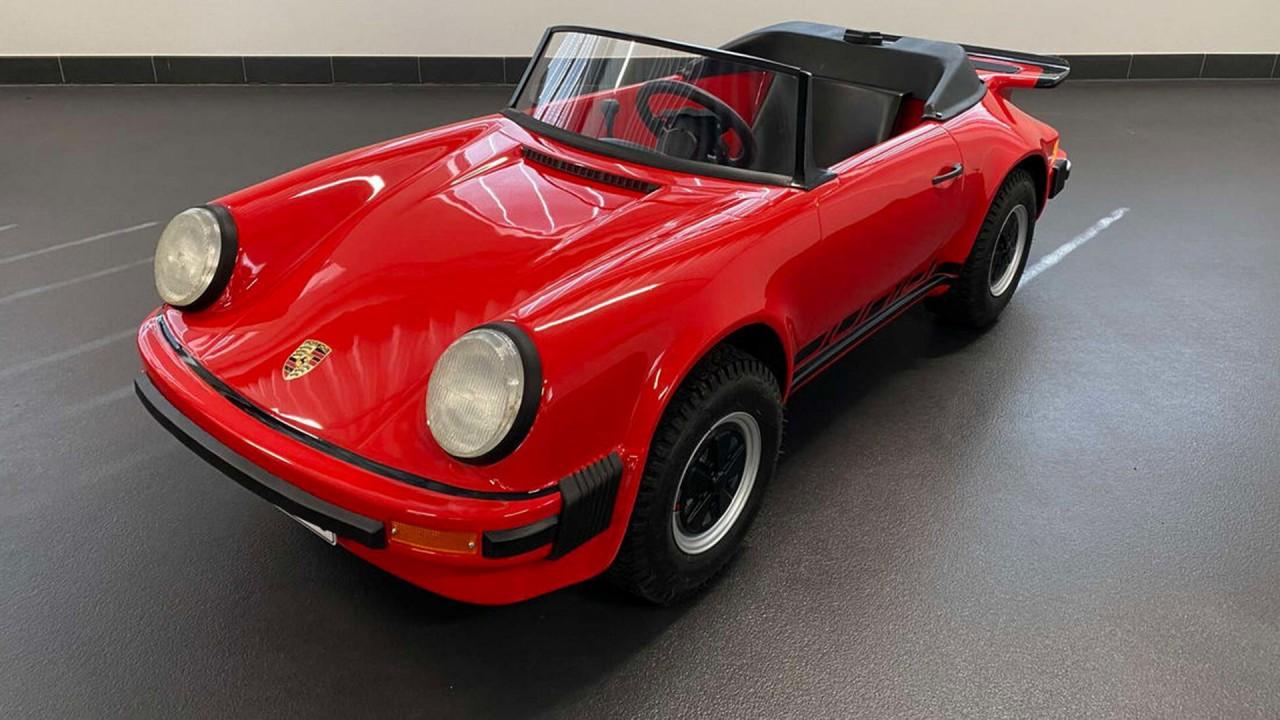 1983 Porsche 911 Cabriolet Junior Kart (1)