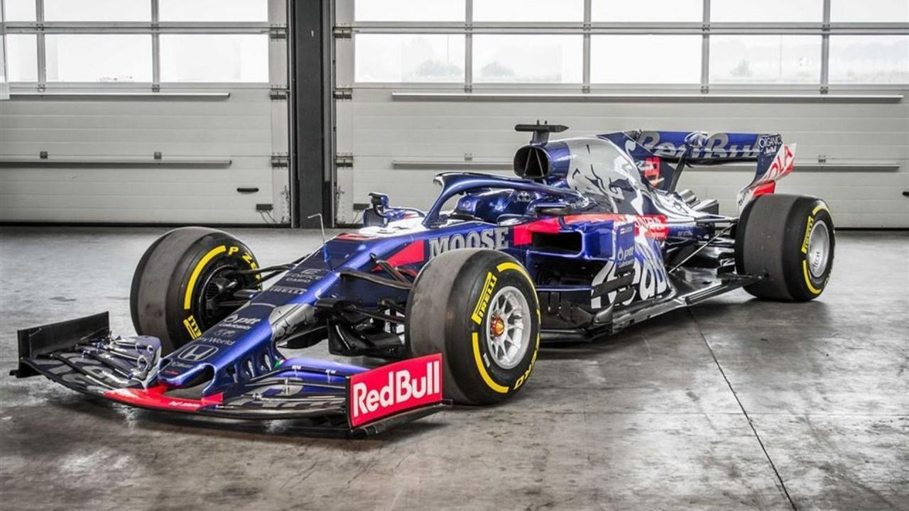Toro Rosso STR14 2019 Formula 1 (1)