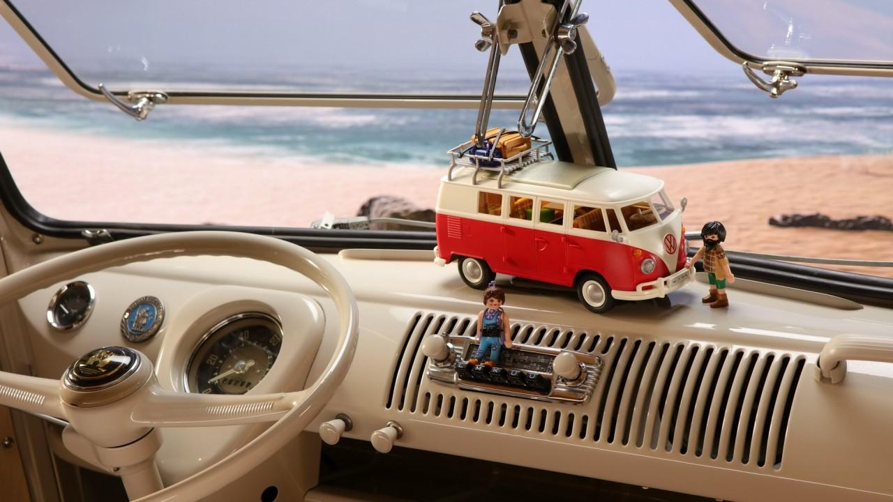 Volkswagen T1 Camping Bus Playmobil (8)