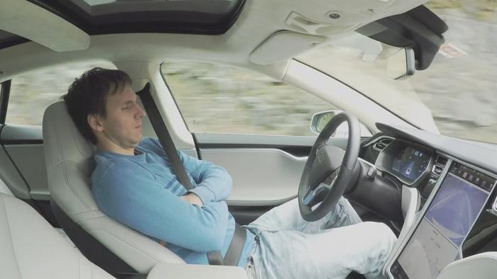 botones 3d en las puertas de los coches autónomos