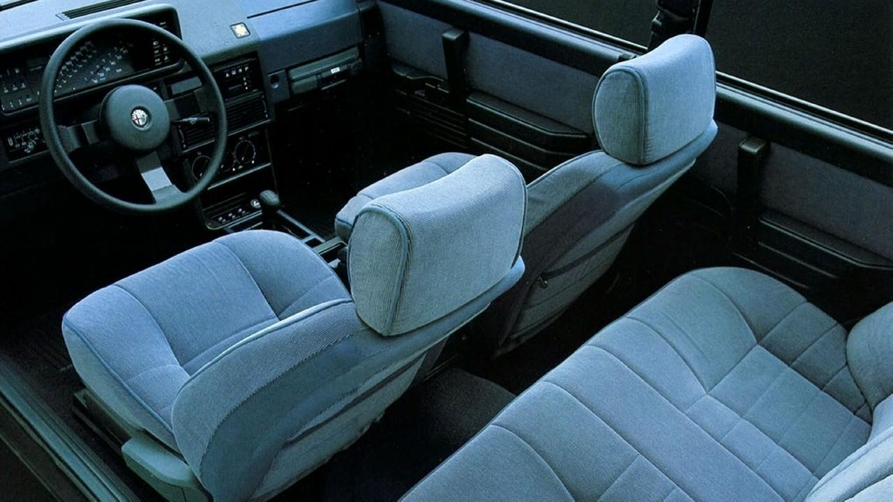 Alfa Romeo 90 Interior (1)