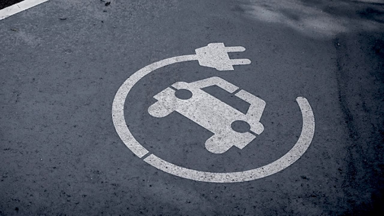 aparcamiento coche electrico