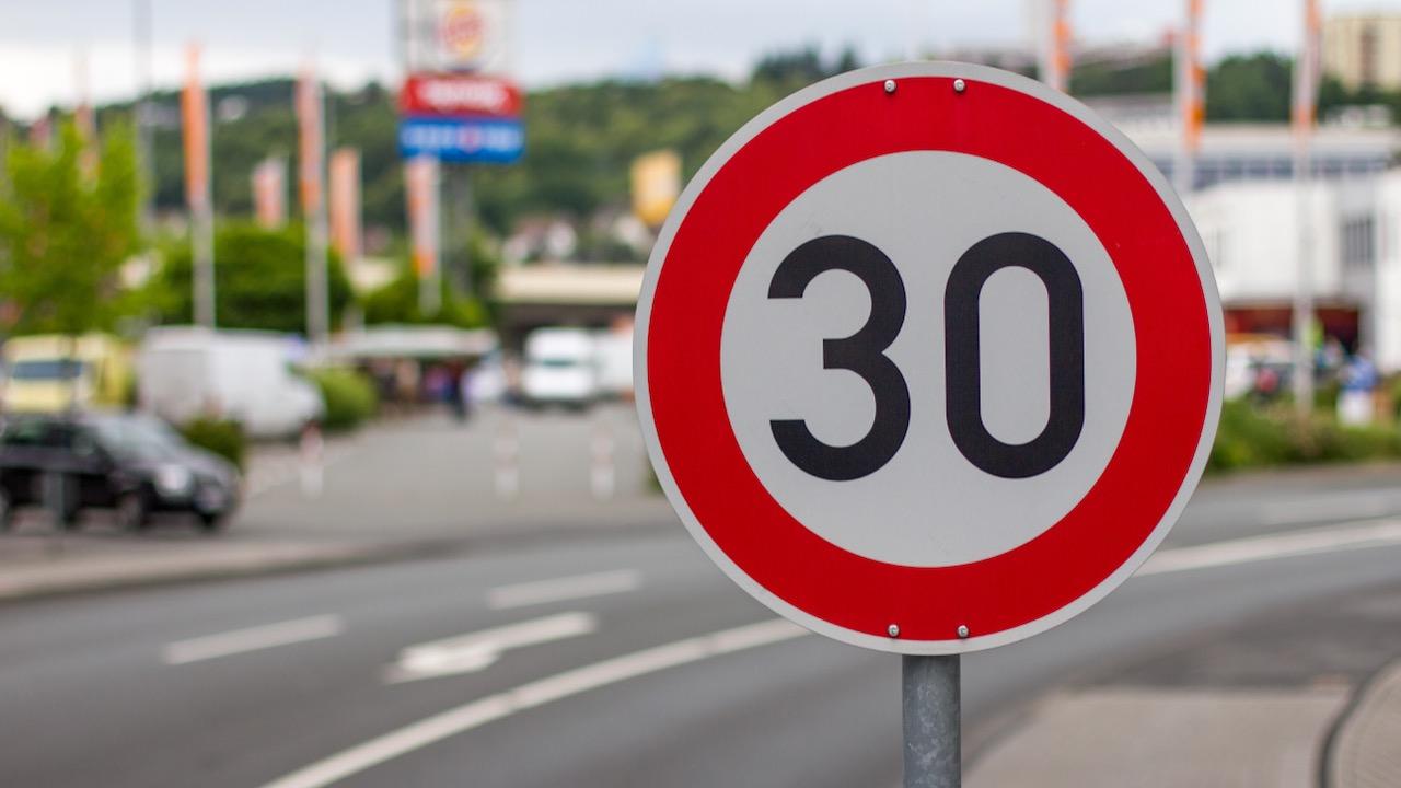 limite velocidad 30 – 3