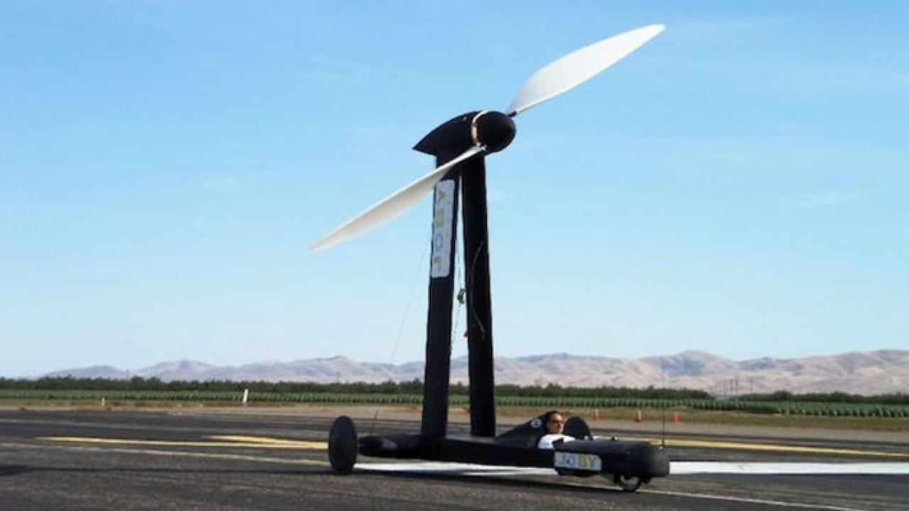 Blackbird Coche Eolico 2