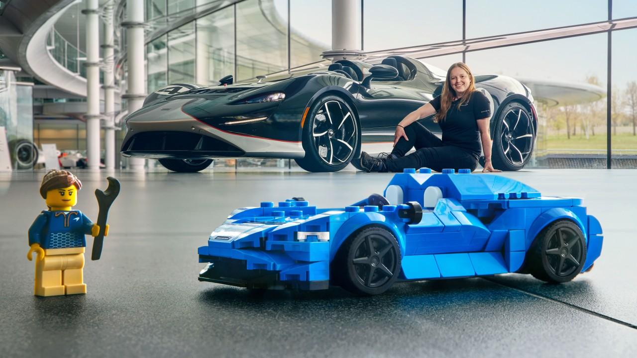 LEGO McLaren Elva (1)