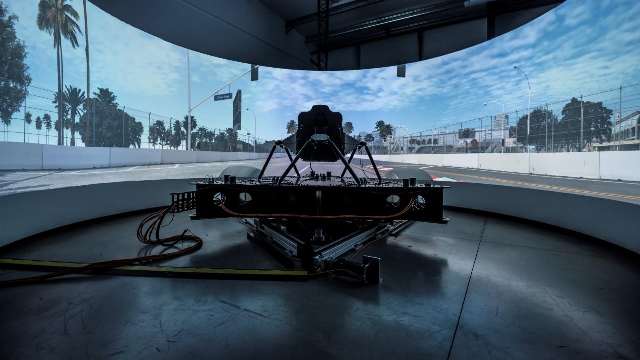 Dynisma DMG-1 simulador de conduccion (2)