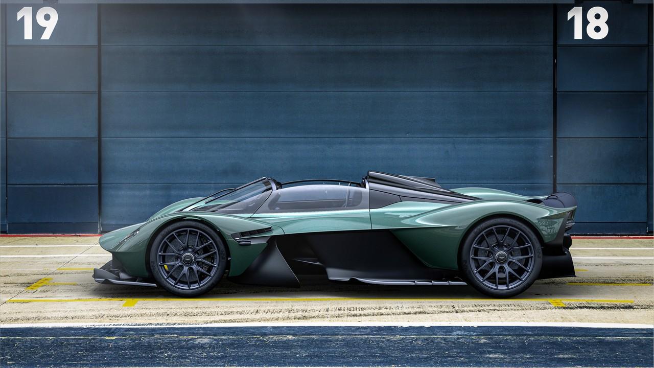 Aston Martin Valkyrie Spider (1)