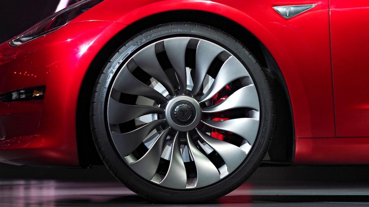Sistema de Frenado Regenerativo Tesla Model 3