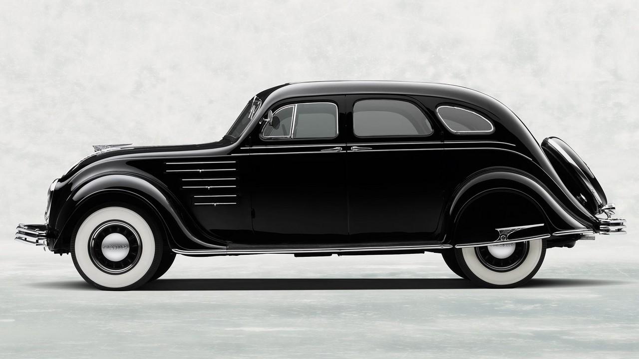 1934 Chrysler Airflow Sedan (CU) (2)