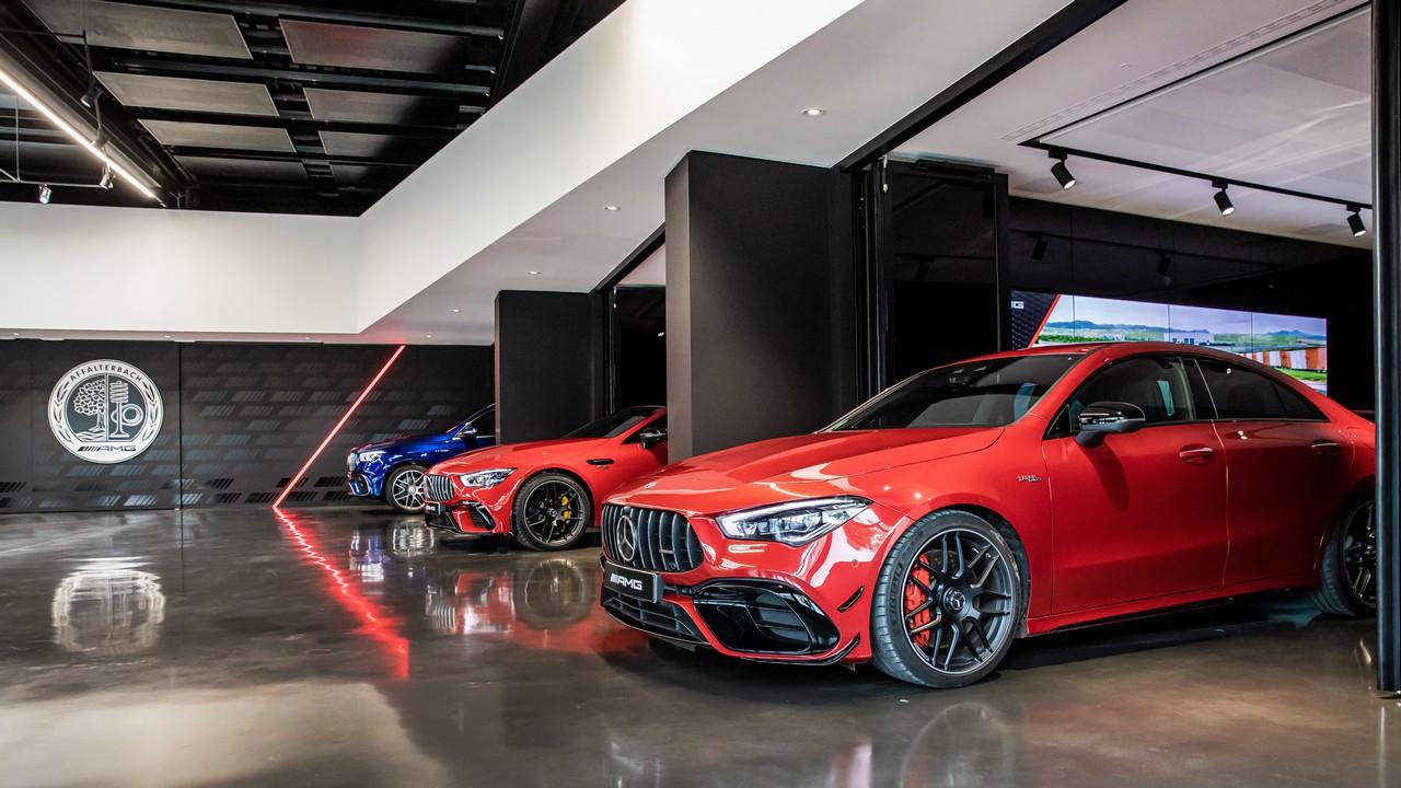 Mercedes-AMG eröffnet neue Auslieferungshalle am Standort AffalterbachMercedes-AMG opens new delivery hall in Affalterbach